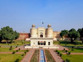 Fort de Lahore. La place forte n'a rien à envier au fort rouge d'Agra ou de Delhi !