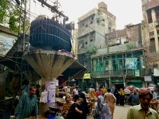 Ruelle du vieux centre de Lahore, un marché permanent et bouillonnant !