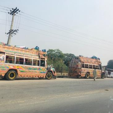 Camions peints - Route vers Wazirabad