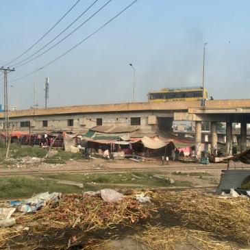 Quartiers pauvres et bidonvilles - Route vers Wazirabad